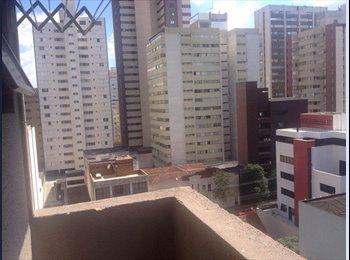 EasyQuarto BR - Kitnet mobiliada - na rua da reitoria da UFPR - Centro, Curitiba - R$ 800 Por mês