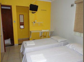 EasyQuarto BR - Aluga-se quarto para estudante ou profissional - Centro, Campo Grande - R$ 700 Por mês