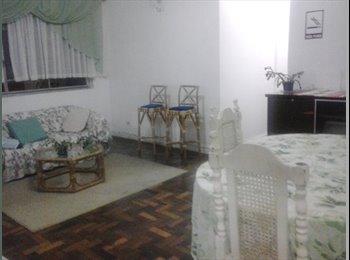alugo quartos no centro de curitiba