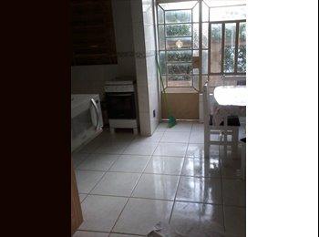 EasyQuarto BR - QUARTO INDIVIDUAL EM FRENTE AO SHOPING TOTAL - Centro, Porto Alegre - R$ 1.000 Por mês