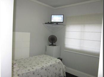 EasyQuarto BR - Alugo Suite Mobiliada no Panamby - Morumbi, São Paulo capital - R$ 2.000 Por mês
