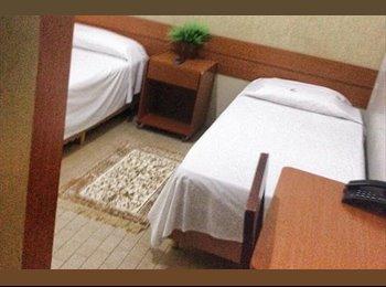 EasyQuarto BR - Para morar ou hospedar - Setor Central, Uberlândia - R$ 1.200 Por mês