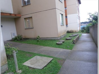 EasyQuarto BR - Divido apartamento mobiliado. - Outros Bairros, Curitiba - R$ 600 Por mês