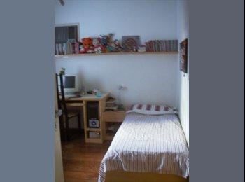EasyQuarto BR - Alugo quarto - fresco, mobiliado, zona nobre - Outros Bairros, Salvador - R$ 900 Por mês
