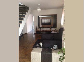 EasyQuarto BR - Alugo quarto (casa com cachorro) - Moema, São Paulo capital - R$ 1.000 Por mês