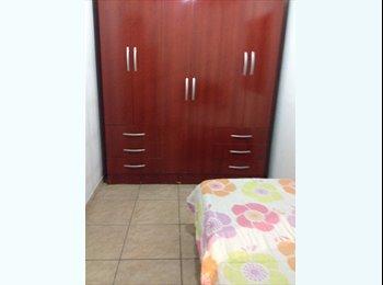 EasyQuarto BR - Lindo quarto para meninas! - Taquara, Rio de Janeiro (Capital) - R$ 500 Por mês