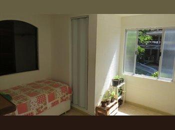 EasyQuarto BR - Rent SUITE in GLORIA - Zona Sul, Glória - R$ 1.000 Por mês