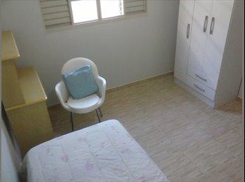 EasyQuarto BR - Quarto em casa novinha - Londrina, Londrina - R$ 600 Por mês