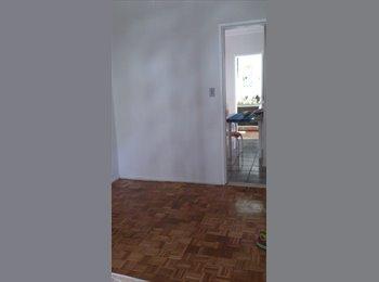 EasyQuarto BR - Alugo quarto em apto perto shopping Jardins - Aracajú, Aracajú - R$ 400 Por mês