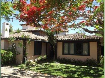 EasyQuarto BR - Grande casa em Búzios - Manguinhos, Região dos Lagos - R$ 1.000 Por mês