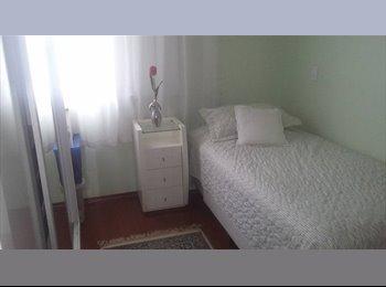 EasyQuarto BR - Alugo Quarto para Moça/Senhora - Santo André, RM - Grande São Paulo - R$ 700 Por mês