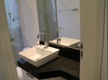 EasyQuarto BR - Divido apaartamento  mobiliado otima localizacao. - Moema, São Paulo capital - R$ 1.500 Por mês
