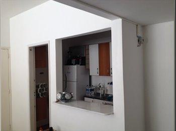 Alugo quarto em Ipanema