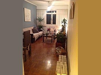 Divido apartamento no Itaim Bibi