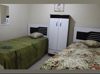 EasyQuarto BR - Quarto de solteiro com duas camas ao lado da praça guarani. - Centro, Região dos Lagos - R$ 1.000 Por mês