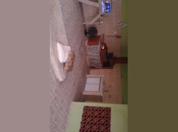 EasyQuarto BR - Casa com 3 quartos - Volta Redonda, Região Sul Fluminense - R$ 350 Por mês