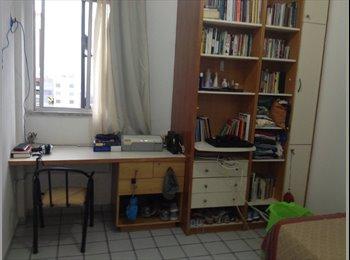 EasyQuarto BR - 2 quartos  disponíveis em apartamento bem localizado - Papicu, Fortaleza - R$ 500 Por mês
