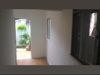 EasyQuarto BR - Alugo Casa pequena no Jardim Santa Mônica - Cidade Alta, Salvador - R$ 350 Por mês