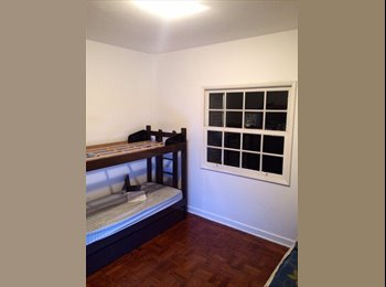 Dividir quarto próximo ao metrô Santana