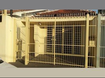 Alugo Quarto disponível em Rio Preto