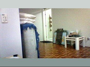 EasyQuarto BR - Suíte | excelente localização, 100 mts Beira-Mar - Aldeota, Fortaleza - R$ 990 Por mês