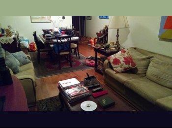 Um quarto mas com uso do apartamento tambem