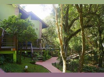 EasyQuarto BR - Curitiba Eco Village - Ecoville, Curitiba - R$ 1.400 Por mês
