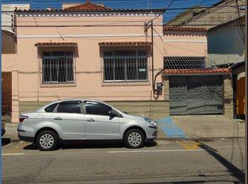 EasyQuarto BR - Alugo quartos masculinos e femininos em Niterói para estudantes  - Ponta D' Areia, Niterói - R$ 450 Por mês