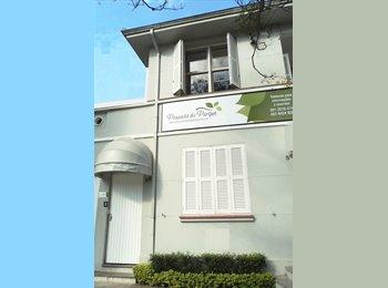 EasyQuarto BR - Quartos para alugar - Zona Leste, Porto Alegre - R$ 1.200 Por mês
