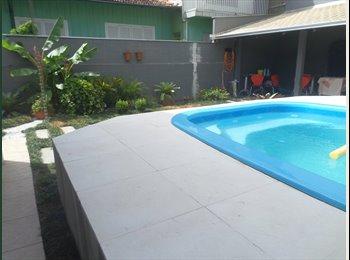 EasyQuarto BR - ALUGA-SE 1 QUARTO - Joinville, Região de Joinville - R$ 750 Por mês