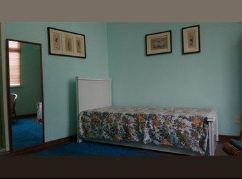 EasyQuarto BR - Quarto com banheiro privativo e uso de coszinha e lavanderia Salvador - Cidade Baixa, Salvador - R$ 700 Por mês