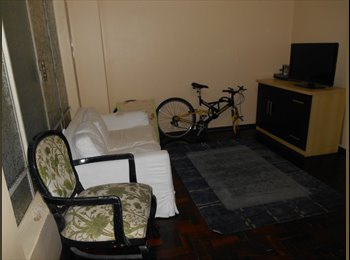 EasyQuarto BR - Quarto individual em apartamento ótima localização - Joinville, Região de Joinville - R$ 500 Por mês
