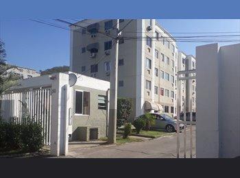 Quarto em Apartamento Mobiliado Próximo ao Metrô