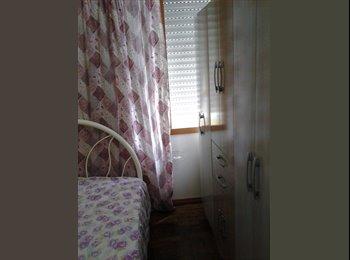 EasyQuarto BR - quarto individual com cama de casal - Centro, Porto Alegre - R$ 650 Por mês