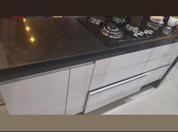 EasyQuarto BR - Quarto sem mobília em apartamento premium - Sorocaba, Sorocaba - R$ 1.000 Por mês