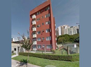 EasyQuarto BR - Agua Verde, Curitiba - R$ 650 Por mês