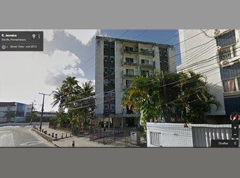 EasyQuarto BR - Alugo quarto em apartamento mobiliado em frente a FBV! - Recife, Recife - R$ 600 Por mês
