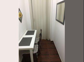 EasyQuarto BR - Vaga para moça  em apartamento em copacabana - Copacabana, Rio de Janeiro (Capital) - R$ 1.390 Por mês