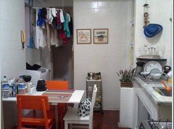 EasyQuarto BR - Apartamento  - Leme, Rio de Janeiro (Capital) - R$ 1.750 Por mês