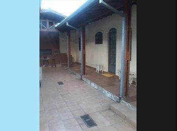 EasyQuarto BR - Casa dos Fundos para alugar - São José dos Campos, São José dos Campos - R$ 1.000 Por mês