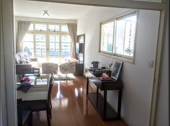 Apartamento localizado na esquina da Rua Oscar Freire com a...
