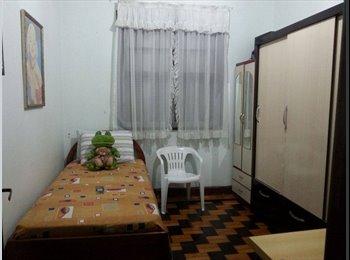 EasyQuarto BR - Alugo Quarto, Porto Alegre - R$ 350 Por mês