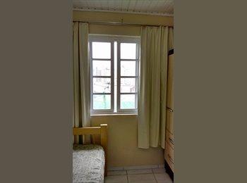 EasyQuarto BR - Aluga-se quartos no Centro de Florianópolis , Florianópolis - R$ 530 Por mês