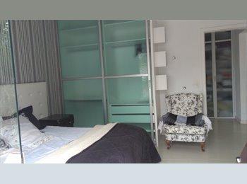 EasyQuarto BR - MODERNA SUITE, Florianópolis - R$ 1.200 Por mês