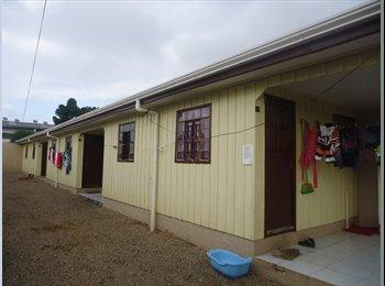 EasyQuarto BR - Alugo Casas , Curitiba - R$ 500 Por mês