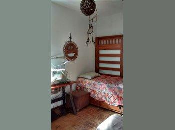 EasyQuarto BR - Quarto para Moça, Local Estratégico, Salvador - R$ 500 Por mês