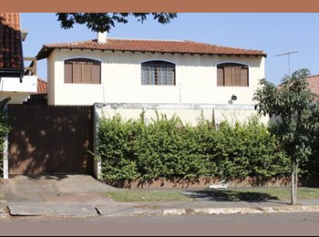 EasyQuarto BR - QUARTO ACONCHEGANTE EM CASA FAMILIAR, Campo Grande - R$ 850 Por mês
