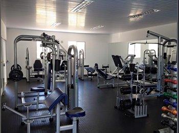 EasyQuarto BR - Suíte em apartamento com piscina e academia, RM Campinas - R$ 720 Por mês