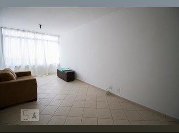 Apartamento Compartilhado Mobiliado