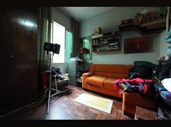 EasyQuarto BR - Aluga-se Quarto , Porto Alegre - R$ 1.000 Por mês